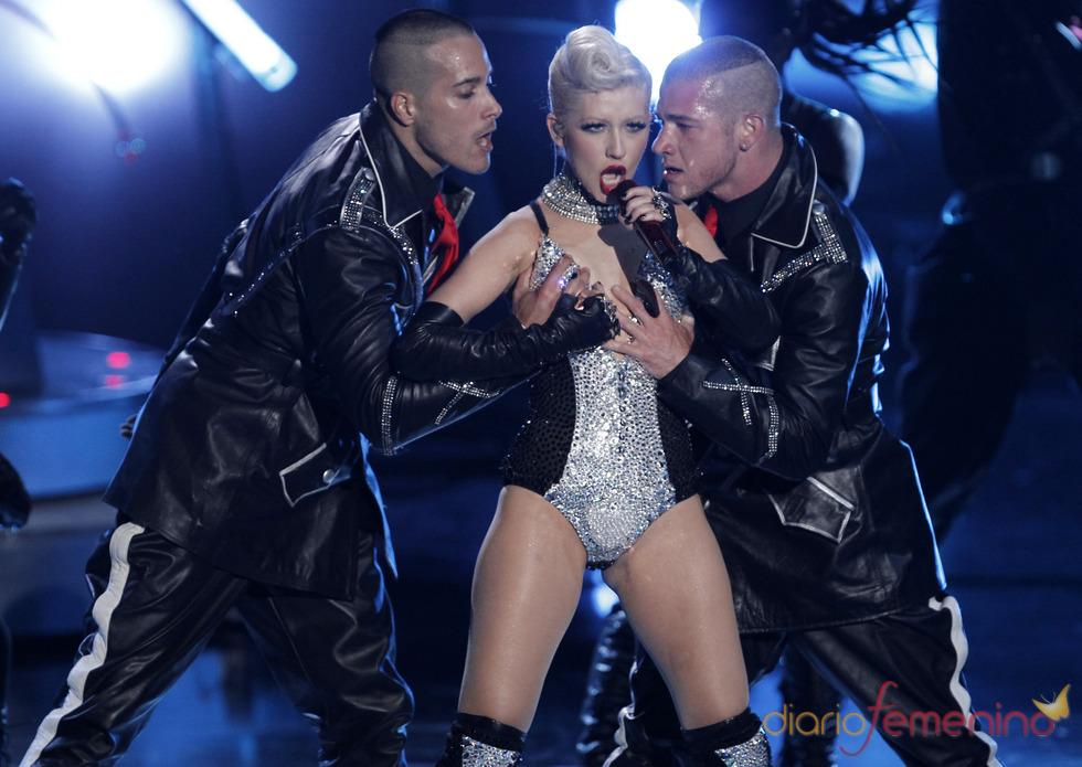Actuación de Christina Aguilera en los MTV Movie Awards