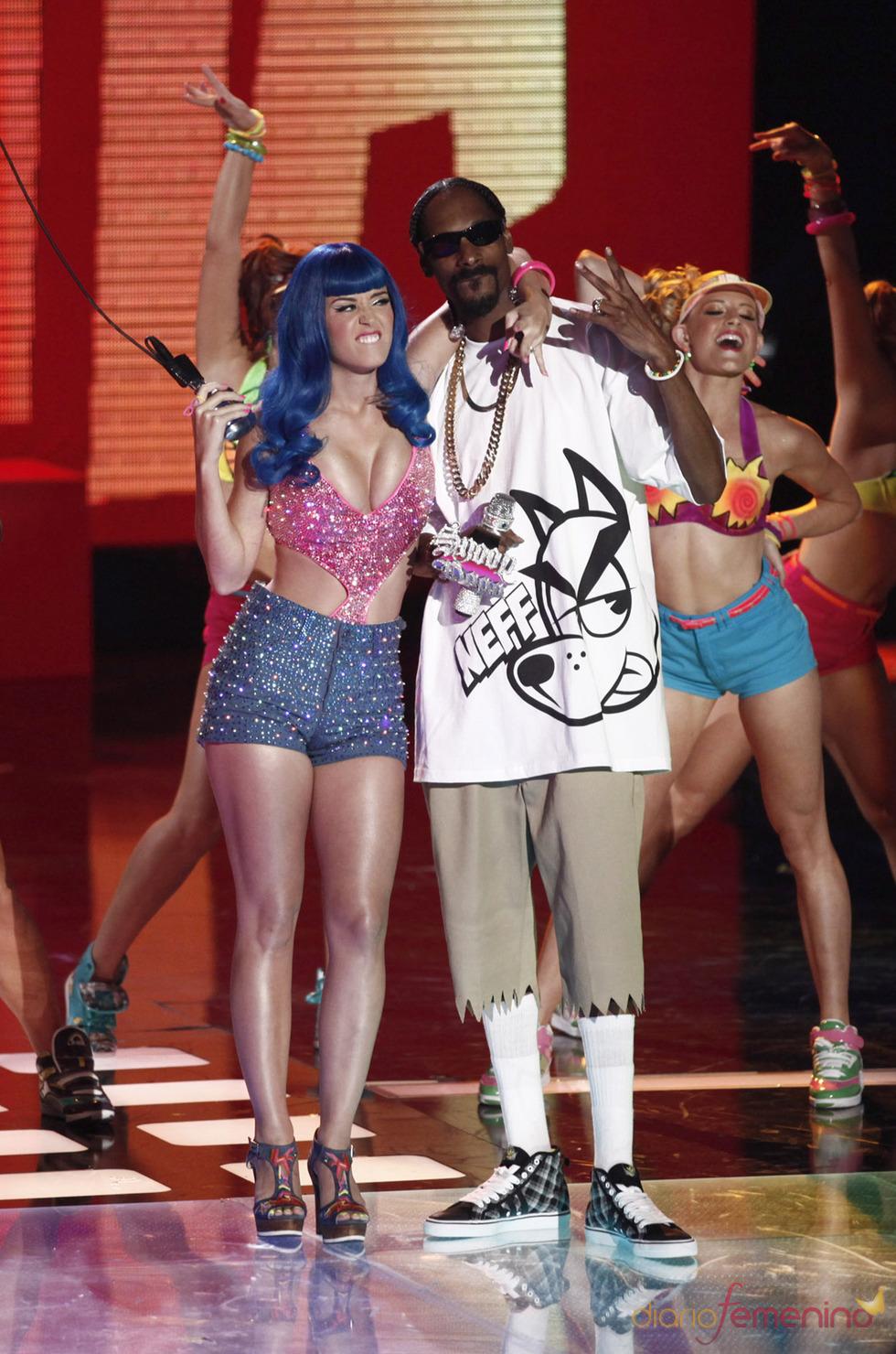 Katy Perry y Snoop Dogg en los MTV Movie Awards