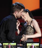 Carantoñas de Robert Pattinson y Kristen Stewart en los MTV Movie Awards