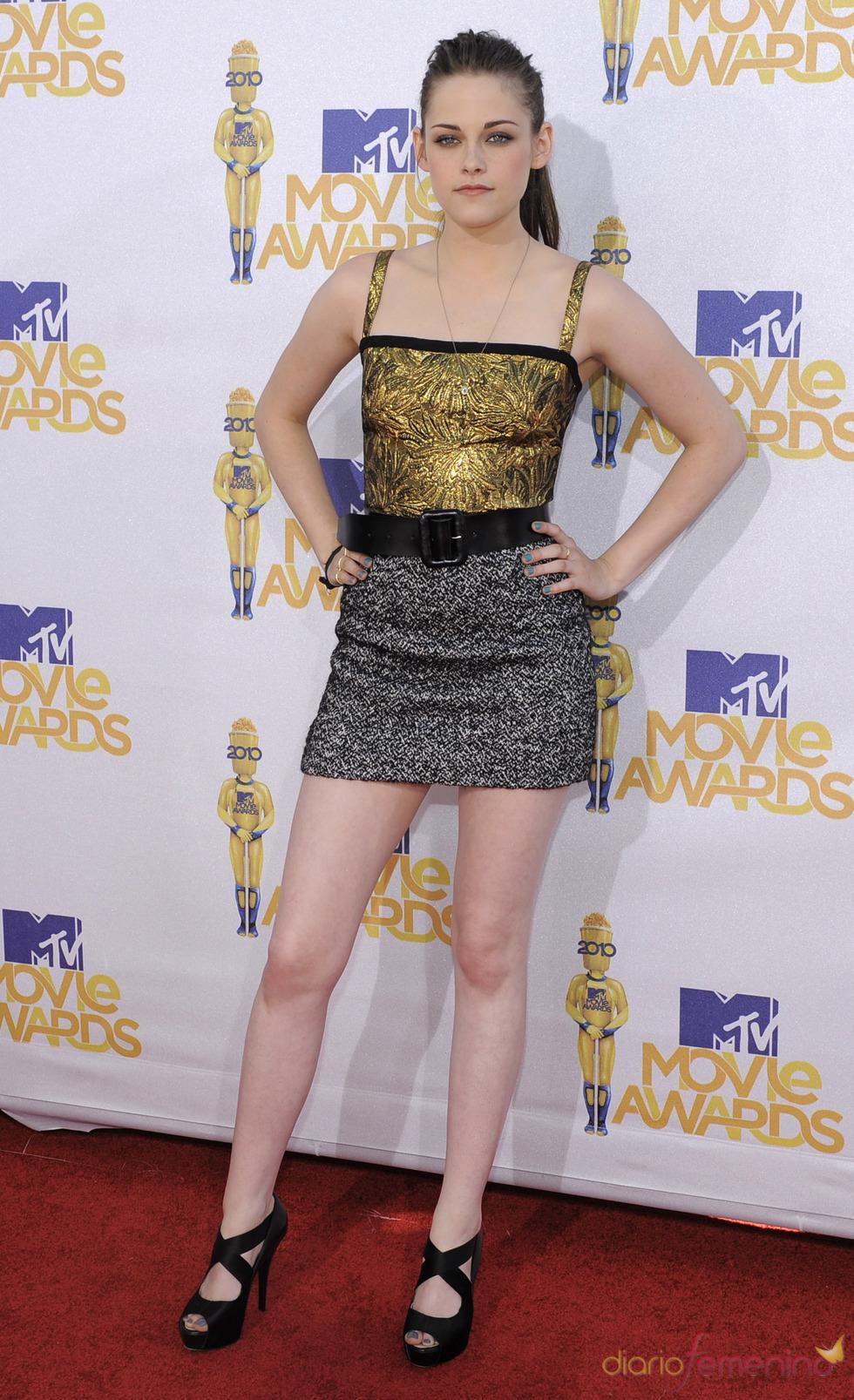 Kristen Stewart posa en los MTV Movie Awards 2010