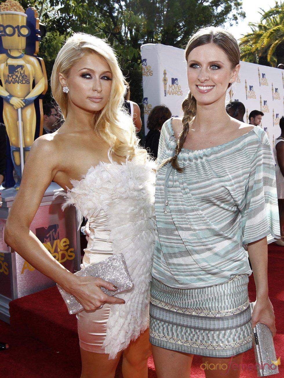 Nicky y Paris Hilton en los MTV Movie Awards 2010
