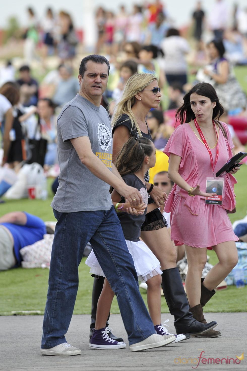 Ramón García, con su familia en el Rock in Rio 2010