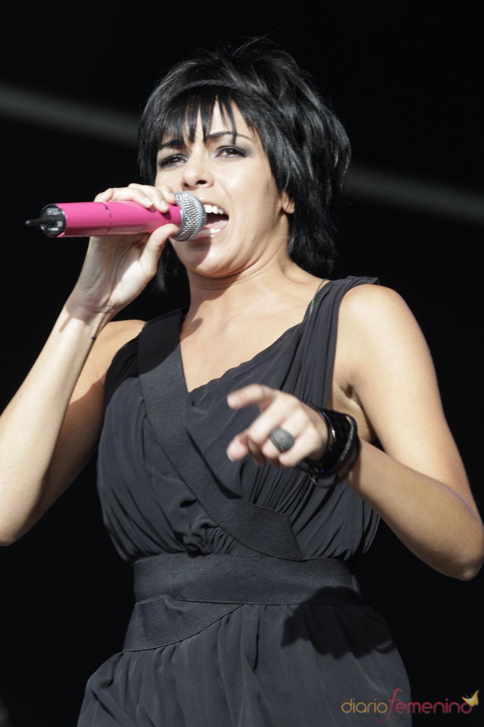 Raquel del Rosario canta en el Rock in Rio 2010