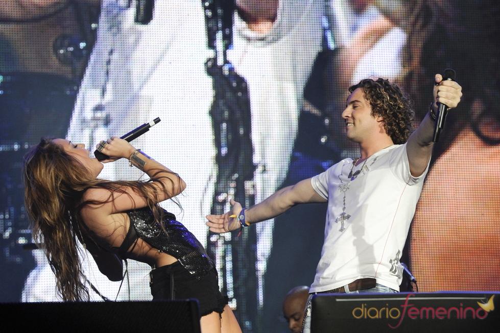 Miley Cyrus y David Bisbal cantan juntos en el rock in Rio 2010
