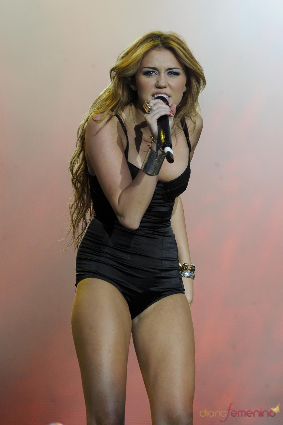 Miley Cyrus, muy sexy en el rock in Rio 2010