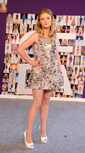 Premios CFDA de la Moda: Emille De Ravin