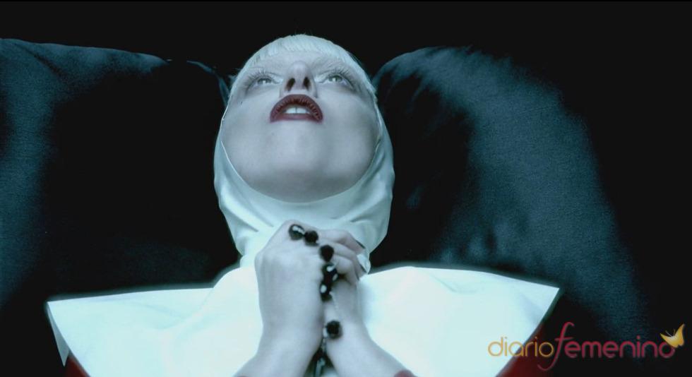 Lady Gaga, una monja en 'Alejandro'