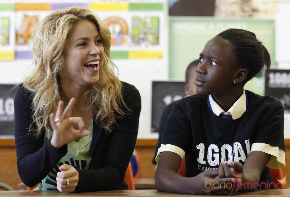 Shakira en una escuela de Sudáfrica