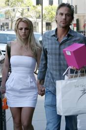 Britney Spears y Jason Trawick, de paseo