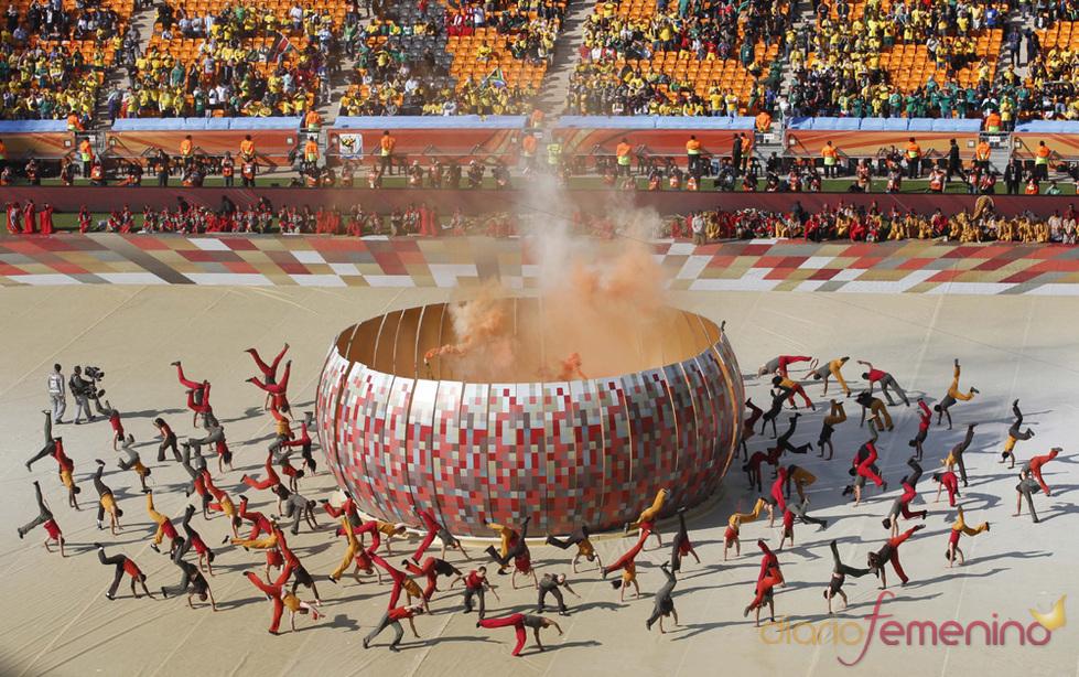 Magia y arte africana en la inaguración del Mundial 2010