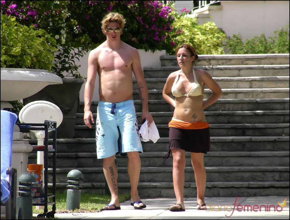 Fernando Torres, semidesnudo