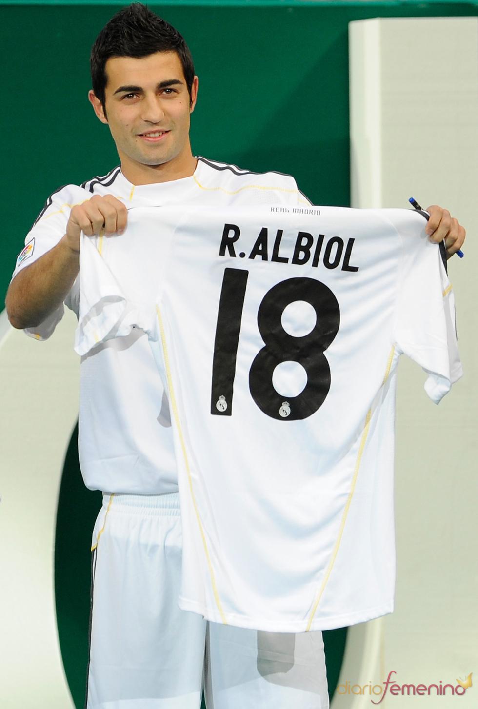Raúl Albiol, un guapo de la selección española
