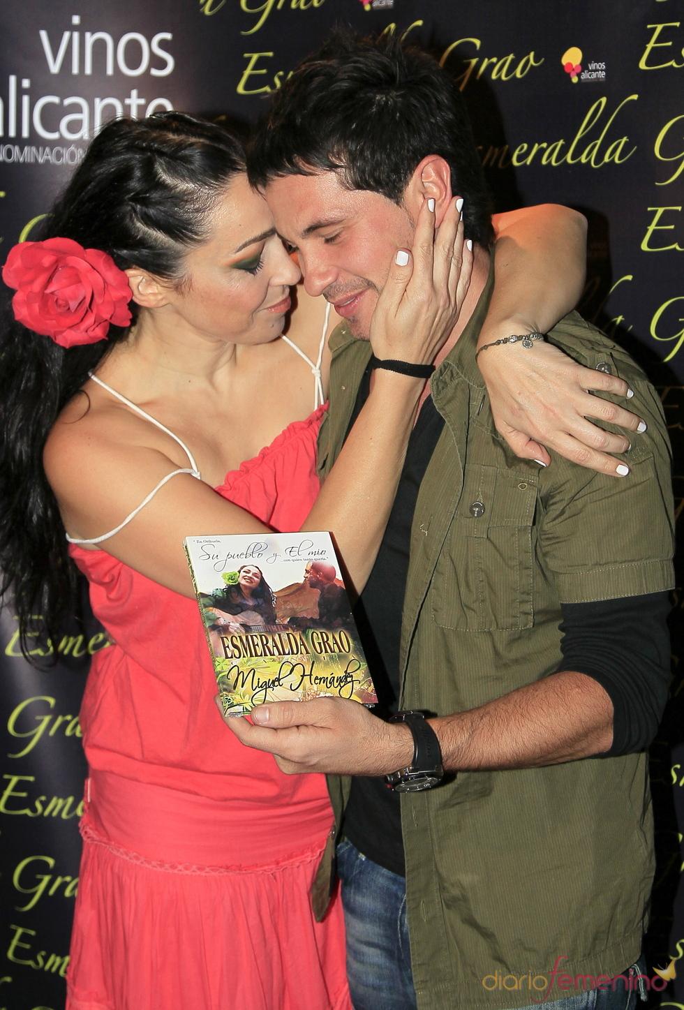 David de María y Esmeralda Grao se besan