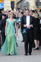 La Infanta Cristina e Iñaki Urdangarín, camino de la boda de Victoria de Suecia