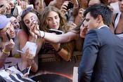Taylor Lautner con los fans en el estreno de 'Eclipse' en Roma