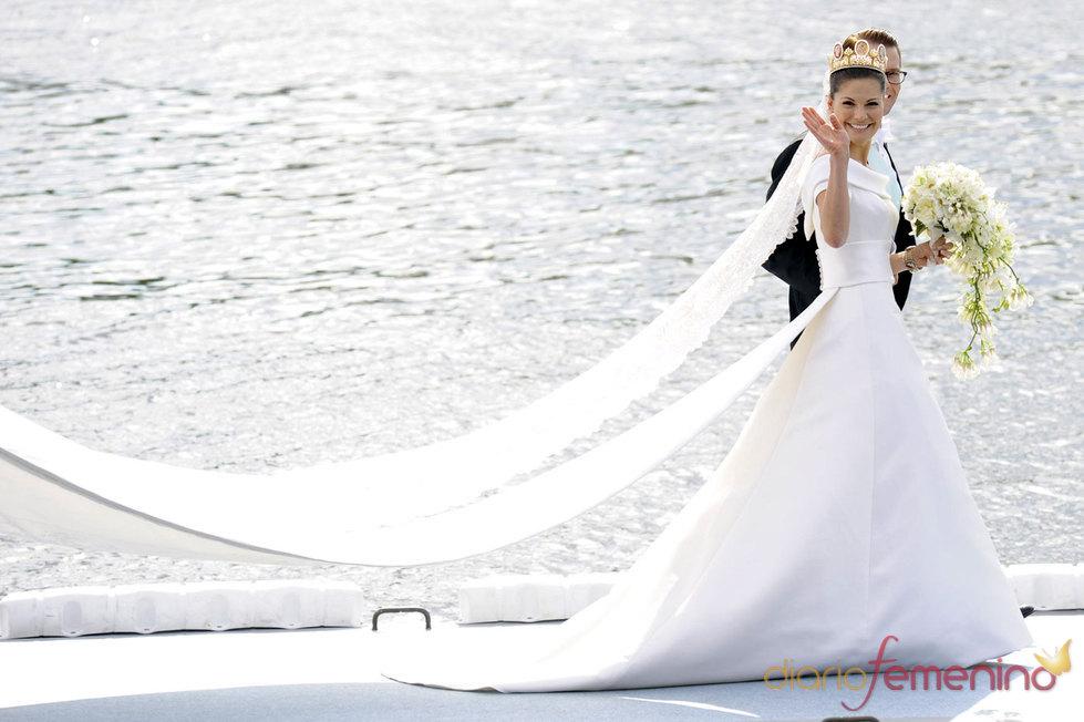 El vestido de novia de Victoria de Suecia y su marido Daniel Westling