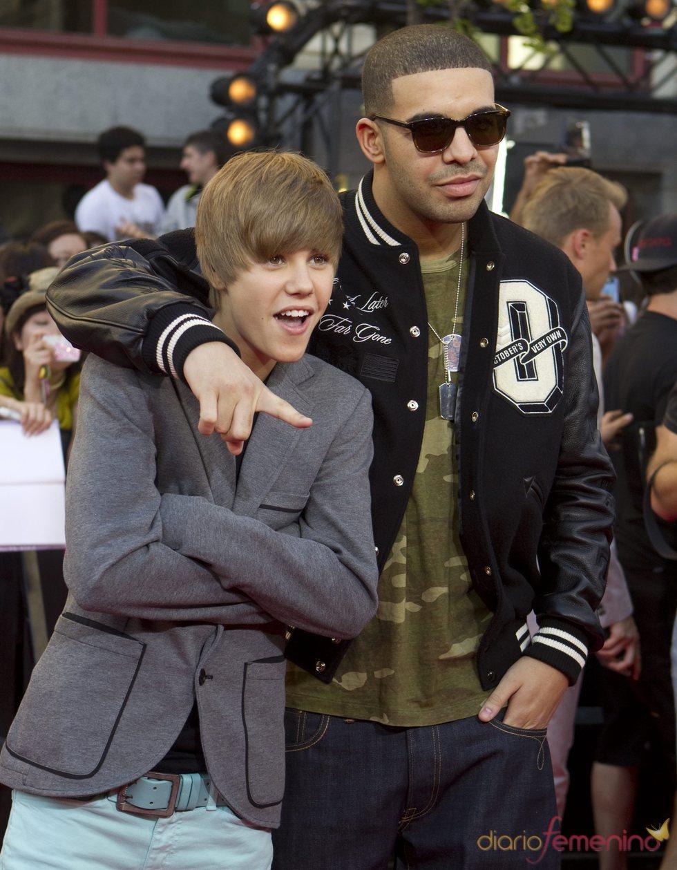 Justin Bieber y Drake en los premios MuchMusic