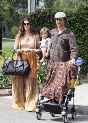 Matthew McConaughey, Camila Alves y Levi, una familia feliz