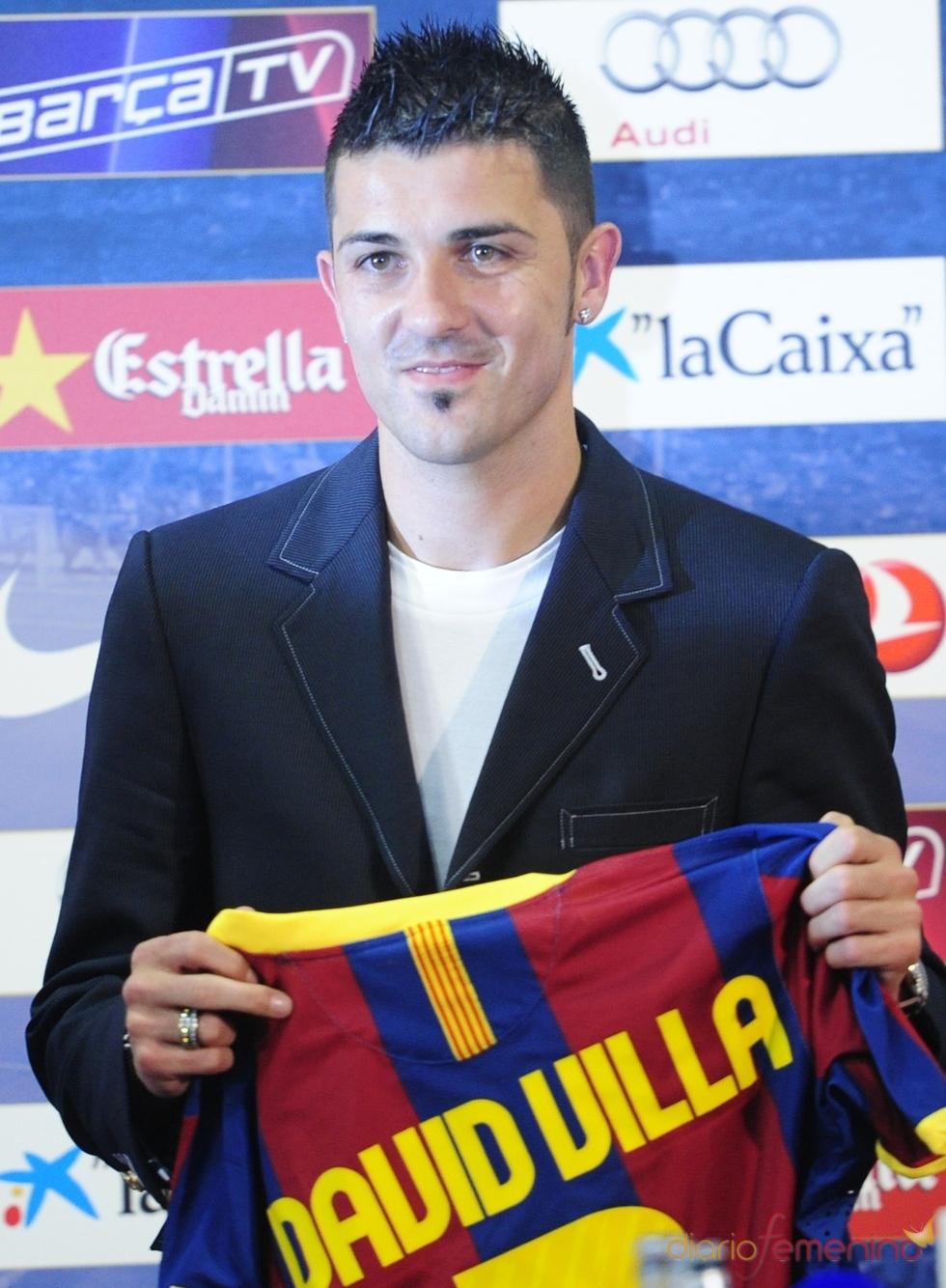 David Villa viste nueva camiseta