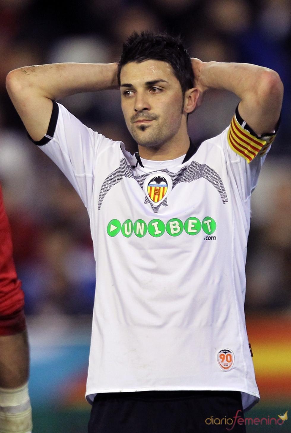 David Villa sufre en el campo