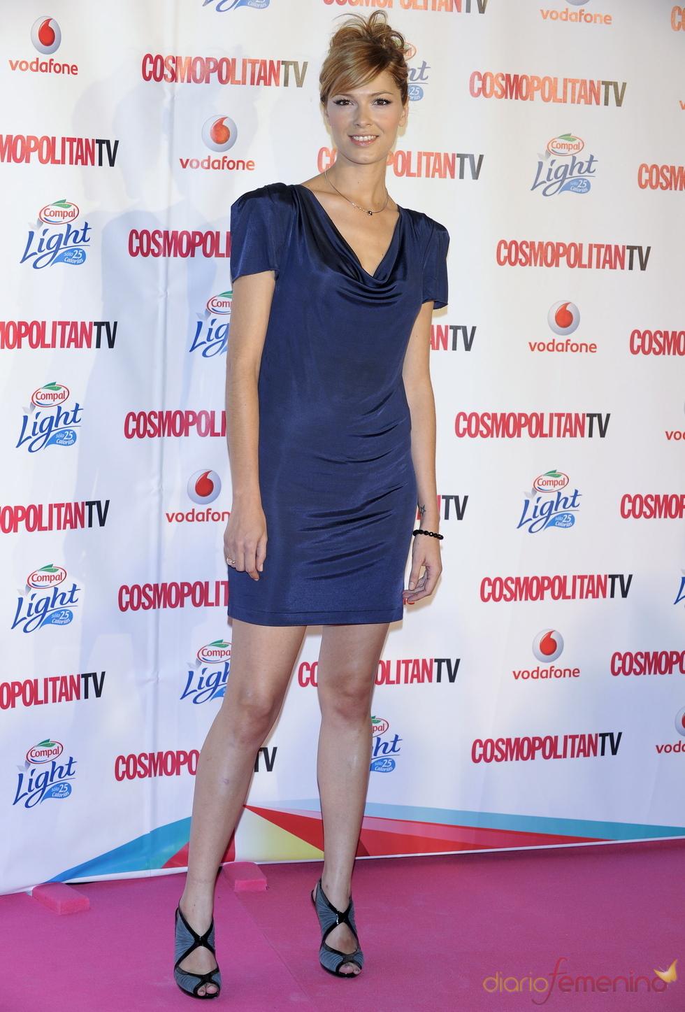 Cristina Urgel, con vestido corto azul