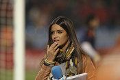 Sara Carbonero pegada a Iker Casillas en el España Chile