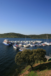 Vacaciones en un barco por Portugal