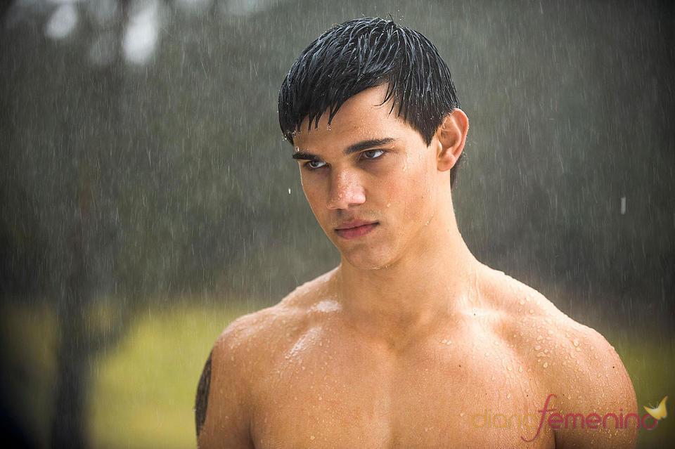 Taylor Lautner semidesnudo