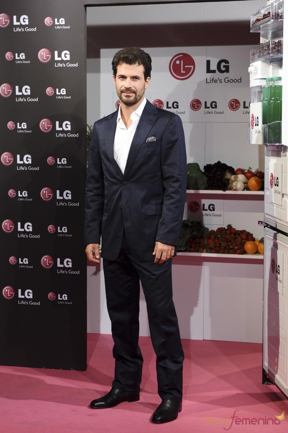 Rodolfo Sancho en la presentación del nuevo frigorífico de LG
