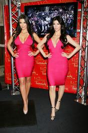 Kim Kardashian y su réplica en  cera