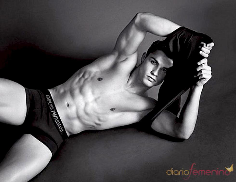 Cristiano Ronaldo se desnuda para Emporio Armani