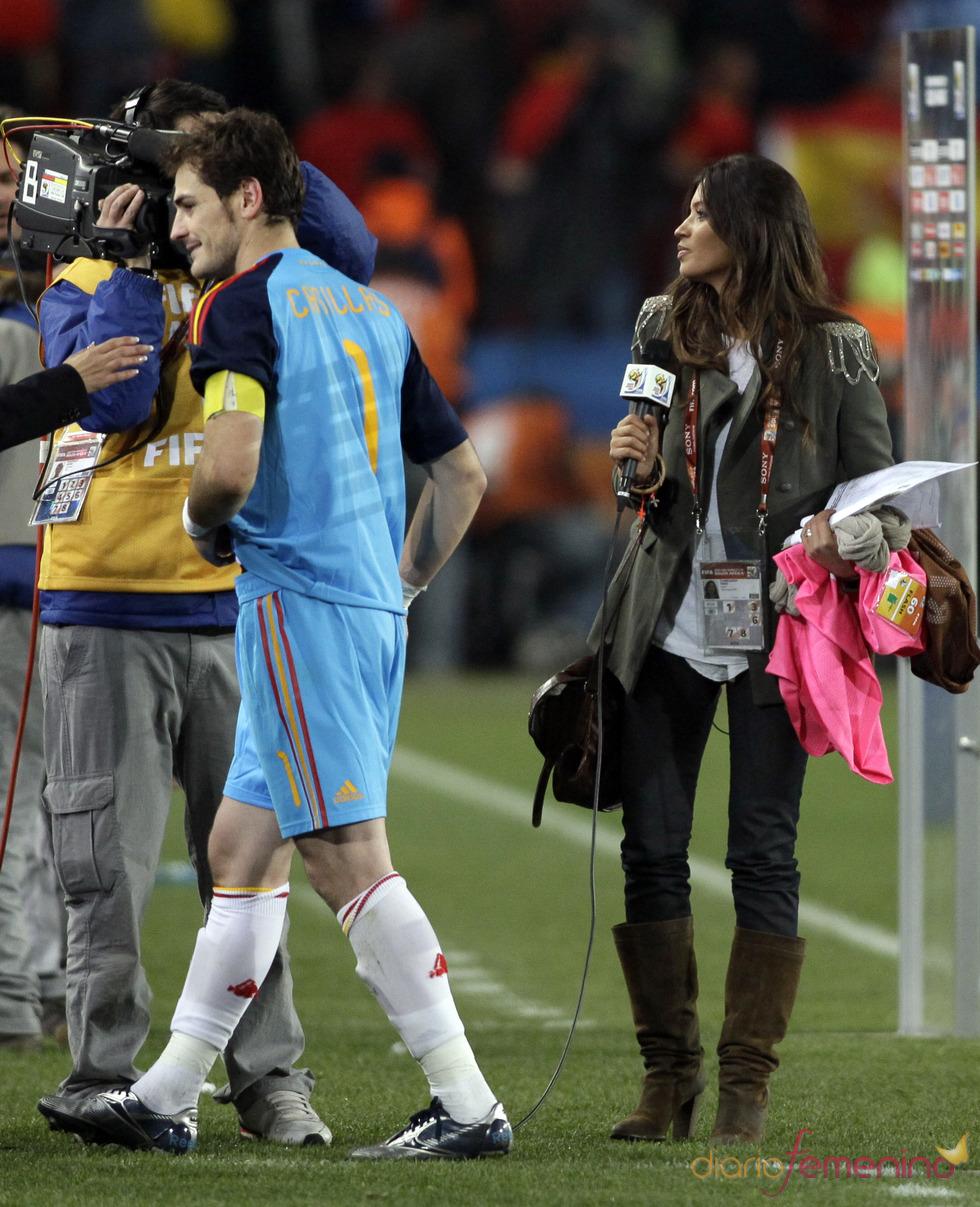 Sara Carbonero vuelve a entrevistar a Íker Casillas en el Mundial 2010