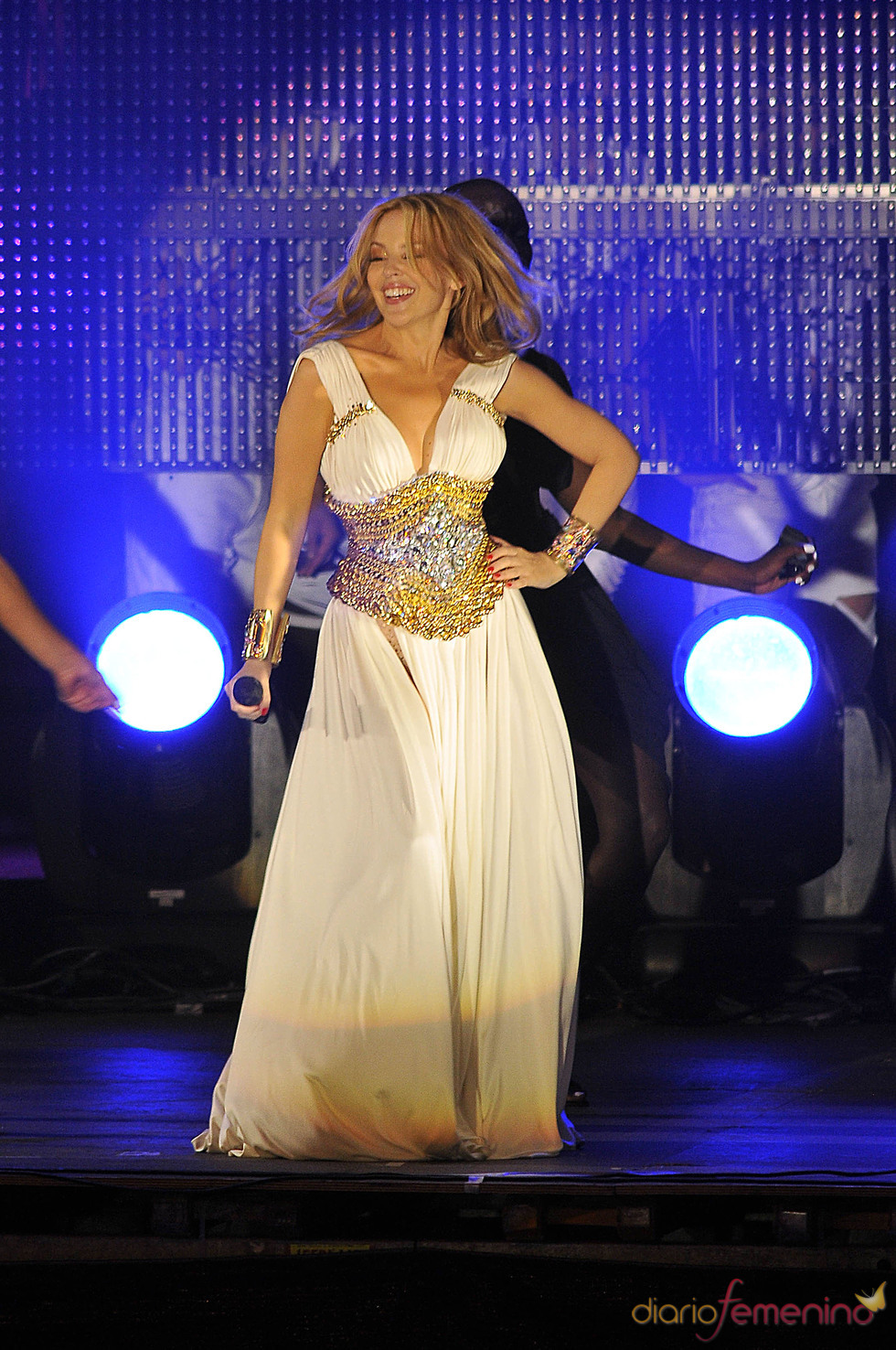 Kylie Minogue baila en el Orgullo Gay 2010
