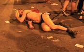 Hombre semidesnudo en Gran Vía en el Orgullo Gay 2010