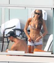 Cristiano Ronaldo e Irina Shayk con look veraniego