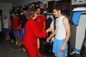 La reina Sofía felicita a Iker Casillas por la victoria de la Selección ante Alemania