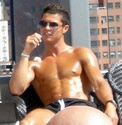 Cristiano Ronaldo en la piscina en Nueva York