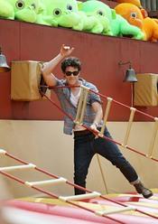 Nick Jonas en el parque de atracciones