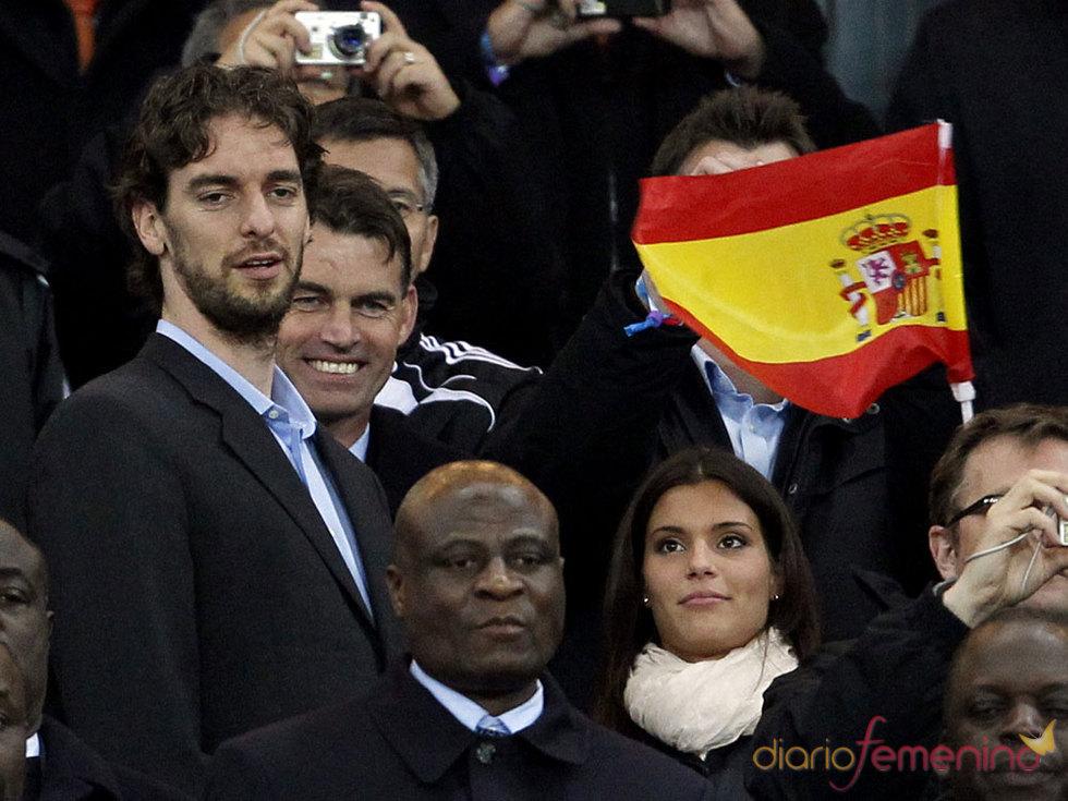 Pau Gasol con la novia en Sudáfrica en la fiesta de España
