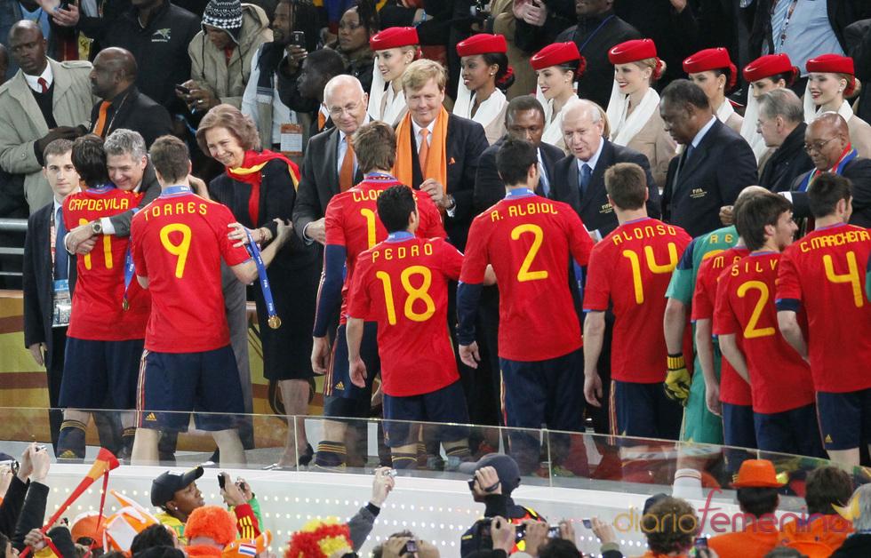 La reina Sofía felicita a la selección española