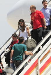 Sara Carbonero llega a Madrid en el mismo avión que Iker Casillas