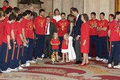 Los Reyes de España y los Príncipes de Asturias con la selección española