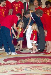 Iker Casillas y el Príncipe Felipe con las Infantas Leonor y Sofía