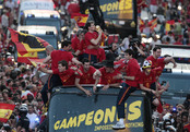 Impresionante recibimiento de la selección española en Madrid