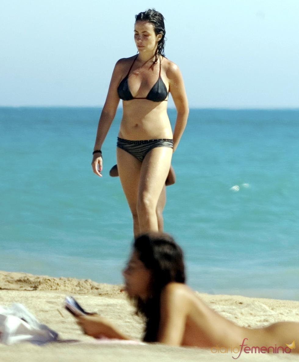 Melanie Olivares, espléndida en biquini