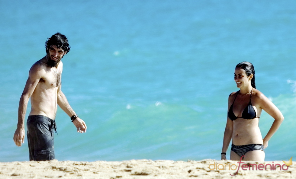 Melanie Olivares y su novio en Cádiz