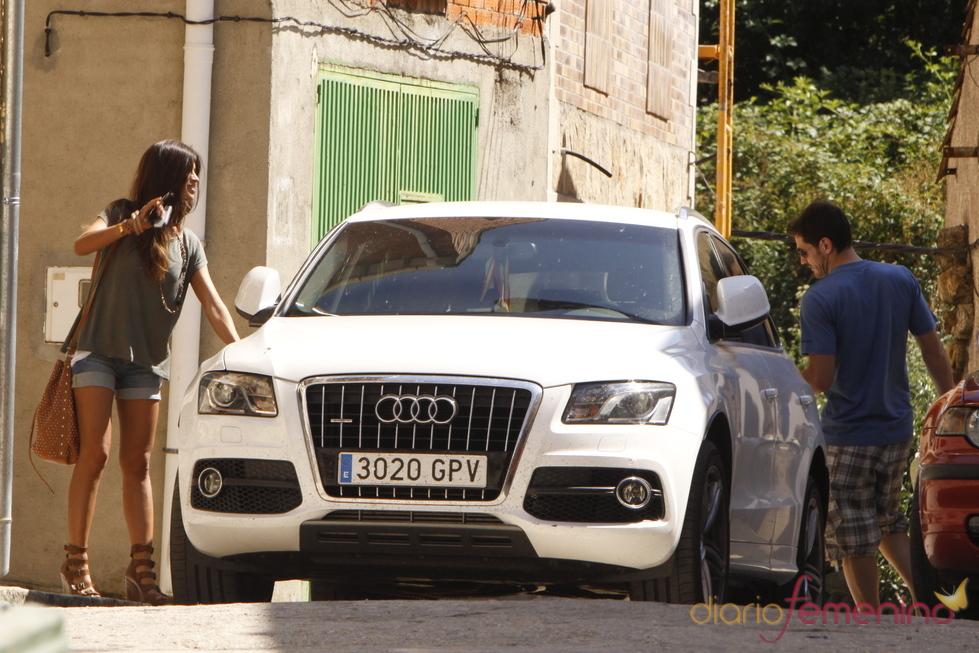 Sara Carbonero e Iker Casillas, por las calles de Navalacruz