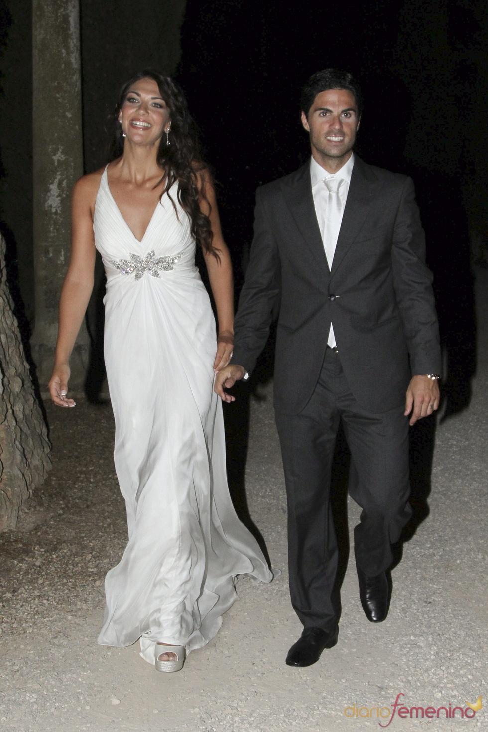 Lorena Bernal y Miker Arteta, felices en su boda
