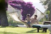 Xabi Alonso con su hijo en Mallorca