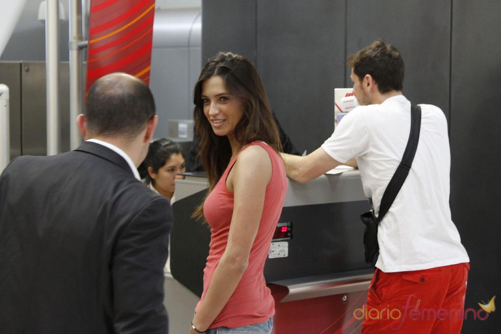 Sara Carbonero se encontró con Iker en el aeropuerto